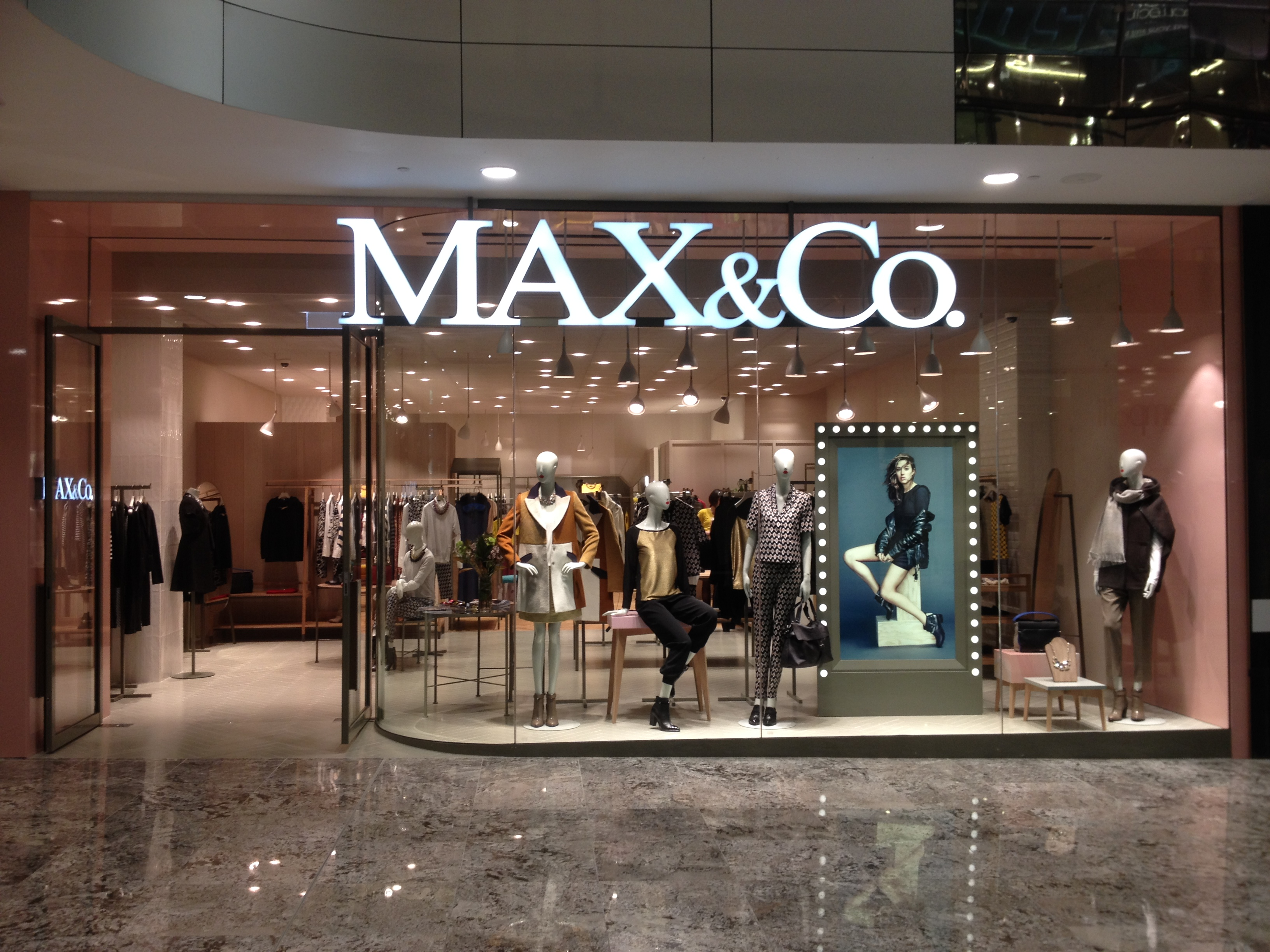 Max___co._at_indooroopilly_shopping_centre_10