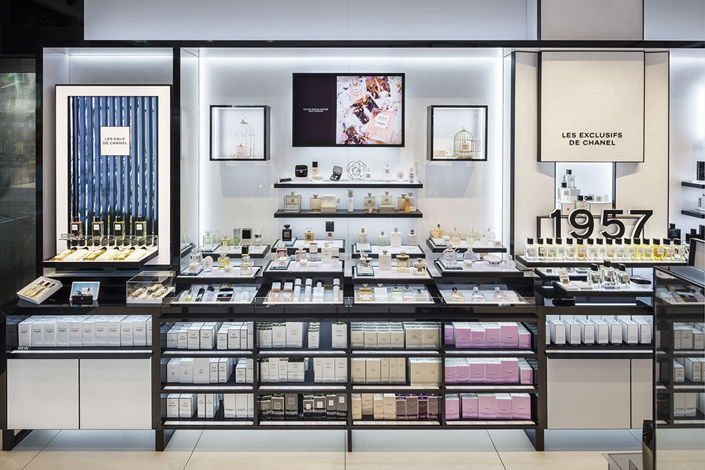Chanel-travel-boutique-munich-1