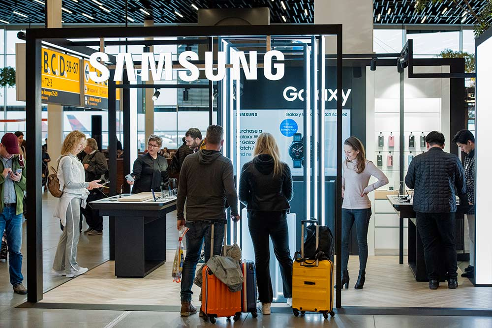 Samsung-schiphol-pop-up-store-large